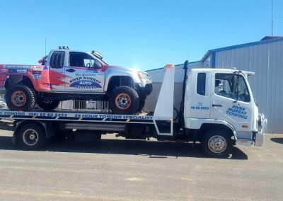 6-a-river-murray-wreckers-truck-being-towed-in-the-riverland