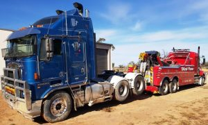 River Muray Towing Kenworth
